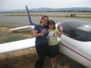 Kelly and me in front of the glider we just flew down from 6000 feet elevation.